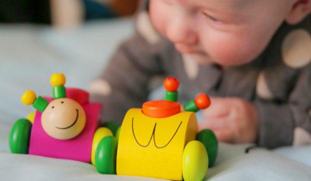 When do babies start doing what? Advice